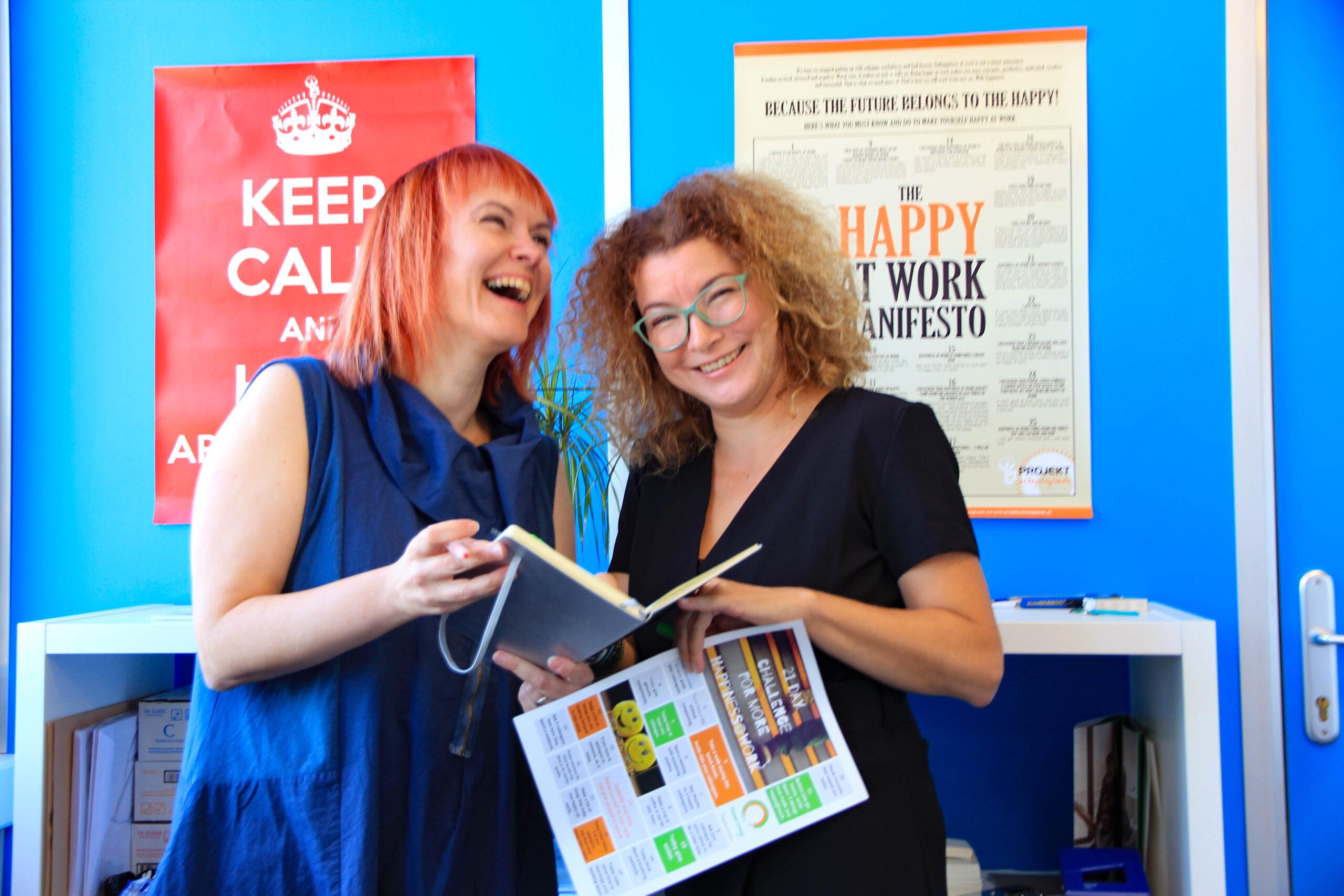 Petra Božič Blagajac in Maja Lončar, mednarodno certificirani managerki delovne sreče in svetovalki za pozitivno organizacijsko kulturo iz Palete znanj